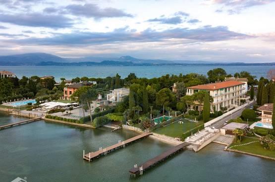 2 Zimmer Wohnung mit Seeblick von der großen Terrasse, Gardasee,  Sirmione